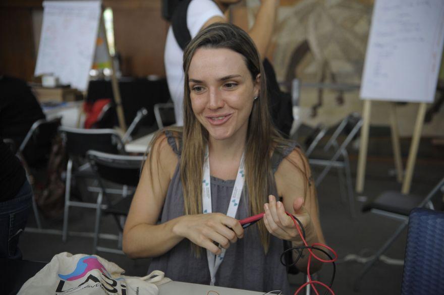 Rio de Janeiro - A ativista de projetos de rede em laboratórios, Maira Begalli, no evento Laboratório Ibero-americano de Inovação Cidadã que acontece no Rio (Tomaz Silva/Agência Brasil)